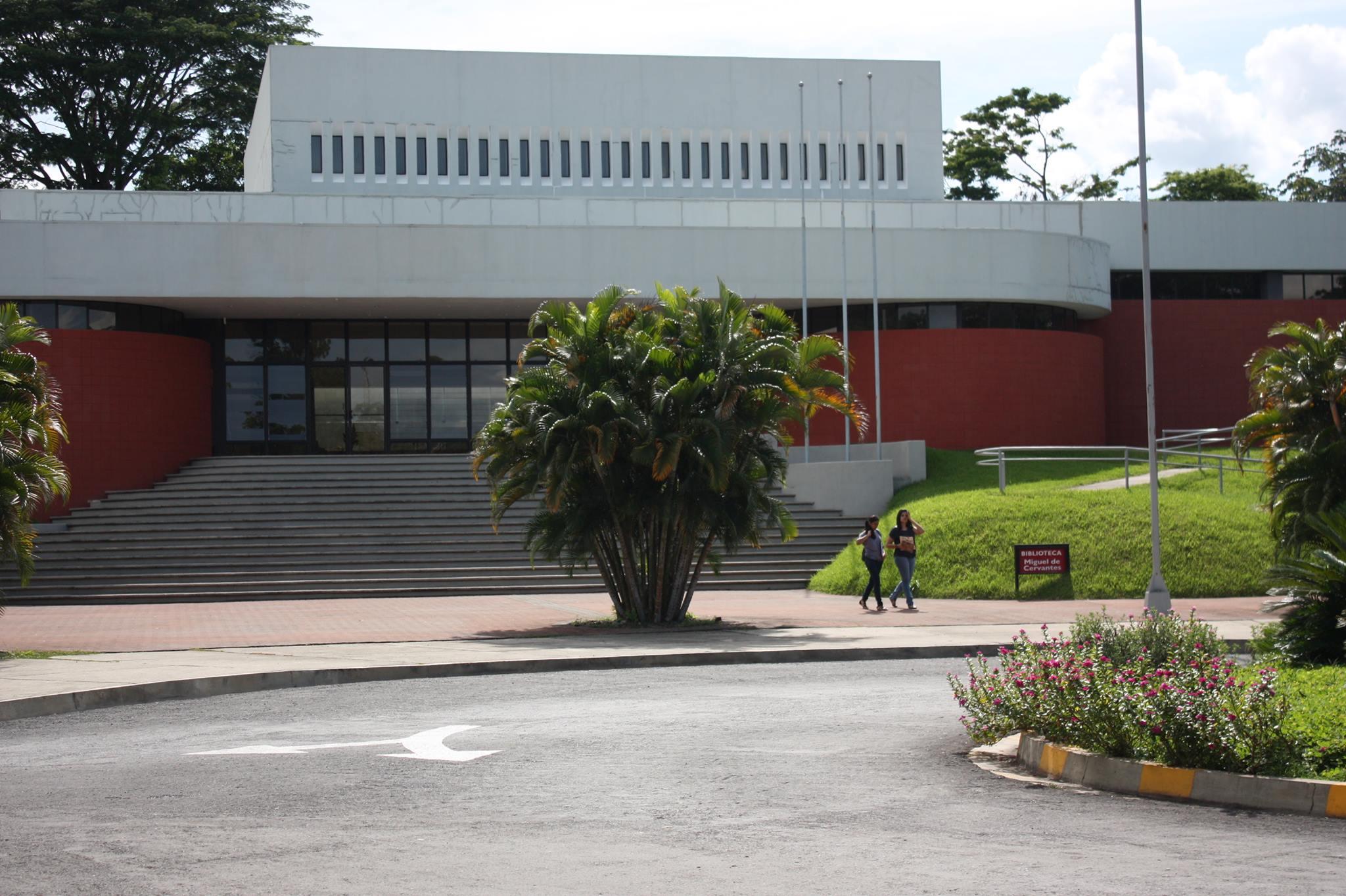Inauguración de la Biblioteca